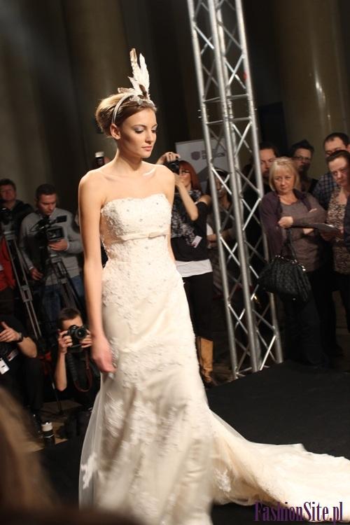 modna suknia ślubna 2013 4