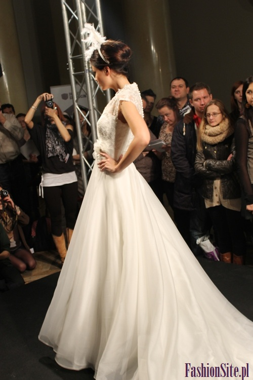 modna suknia ślubna 2013 5