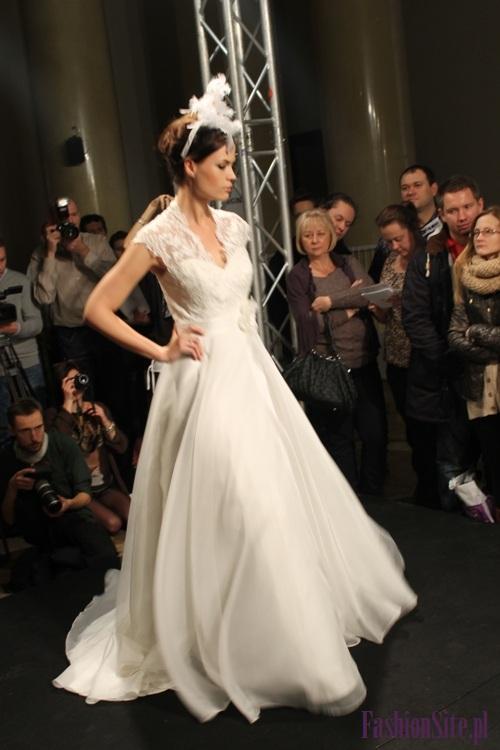modna suknia ślubna 2013 6