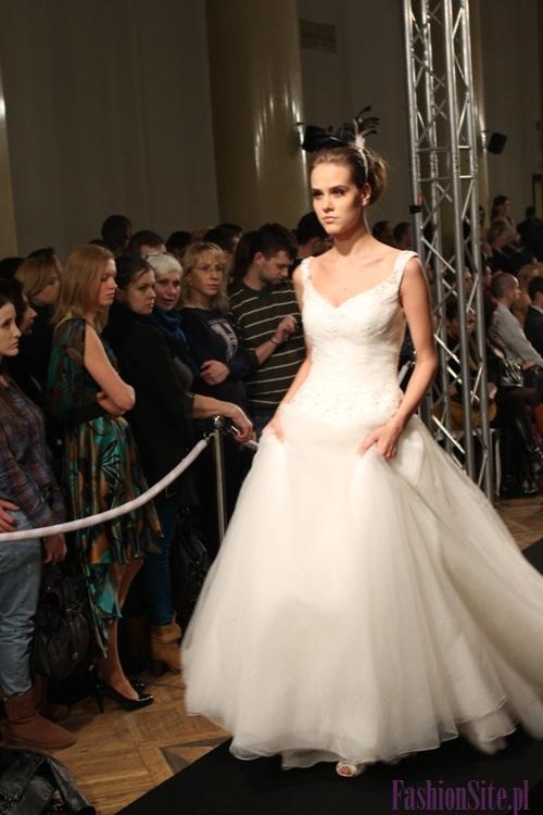 modna suknia ślubna 2013