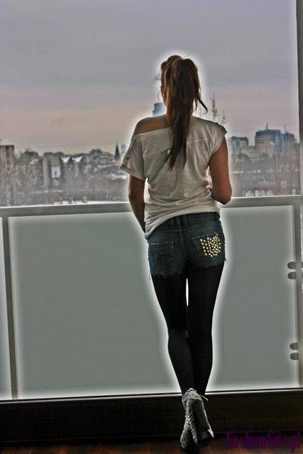 stylizacja spodenki jeansowe z ćwiekami