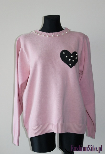 óżowa bluza z sercem blog o modzie