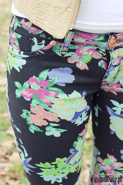 spodnie rurki w kwiaty