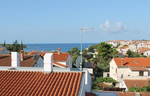widok na morze z okna