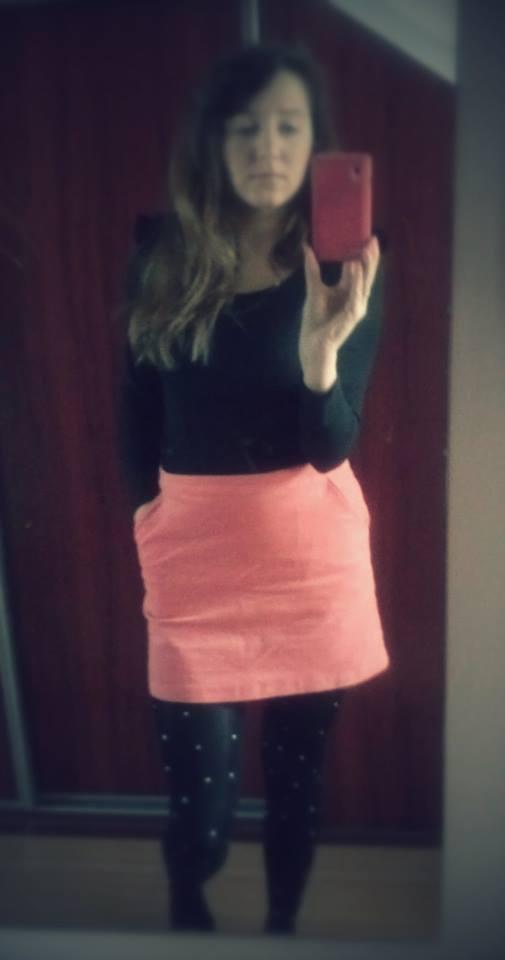 stylizacja-rozowa-spodnica