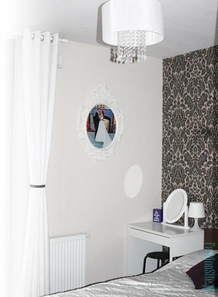 sypialnia-biel-toaletka