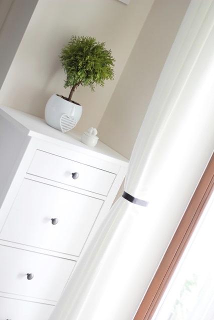 sypialnia biel biala
