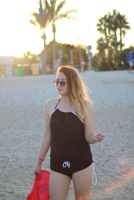 kombinezon na plaze
