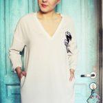 blog o modzie bezowa sukienka naszywki haft